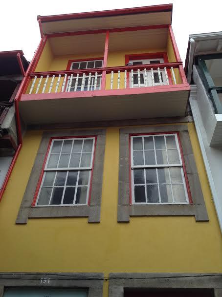 Casa colorida. Rua DIreita