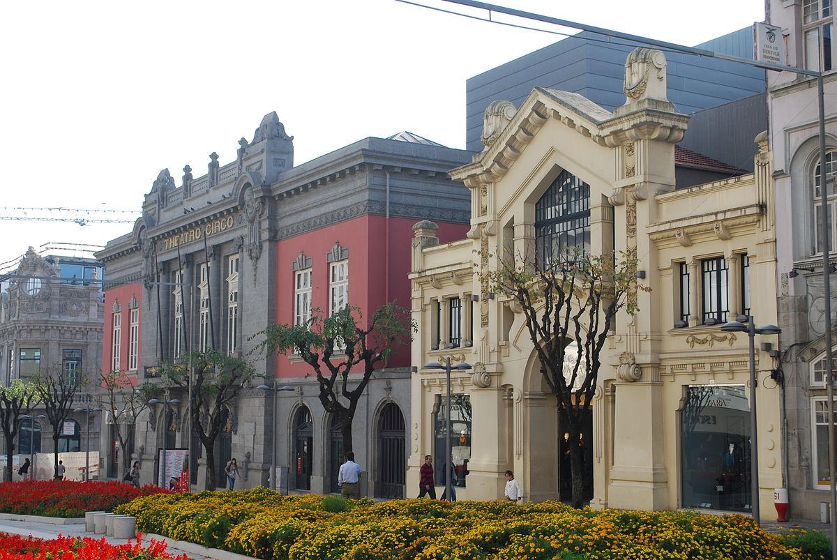 Teatro Circo y Edificio Zara. Avda Liberdade