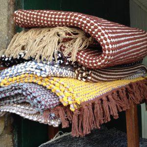 Confección artesanal de alfombras