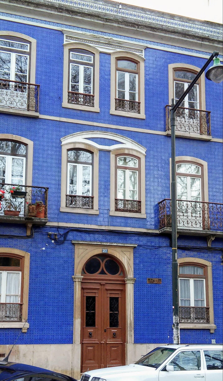 edificio de azulejos azueles en almeida e sousa 27 campo de ourique lisboa