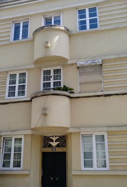 edificio años 30 en la rua almeida e sousa 41 campo de ourique lisboa