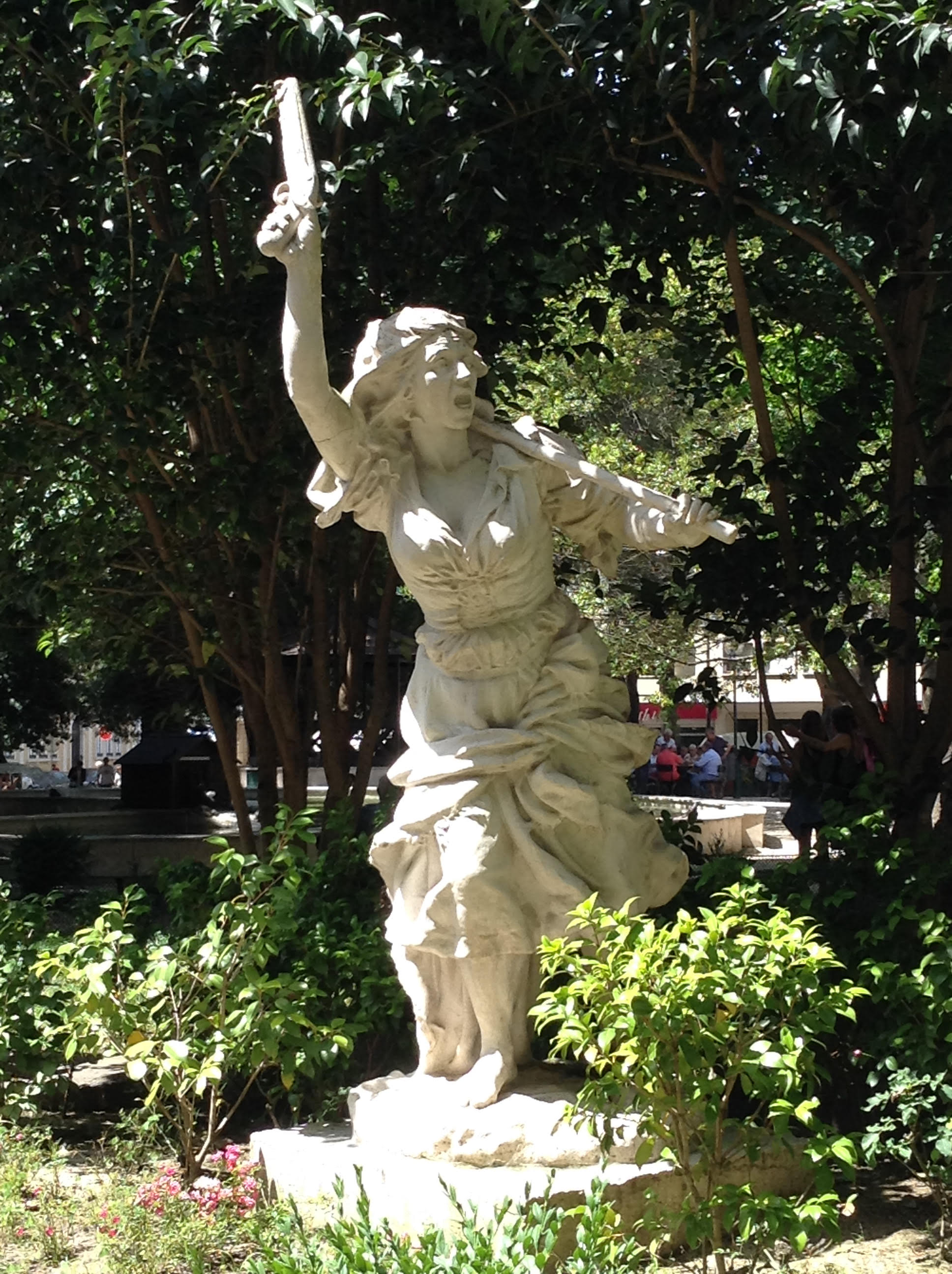 maria da fonte estatuta en parque jardim da parada campo de ourique