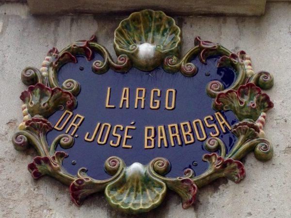 """Caldas da Rainha atesora placas y azulejos colocados en casas y calles que nos indican que esta ciudad ha mantenido una estrecha relación con el """"Arte Nova"""""""