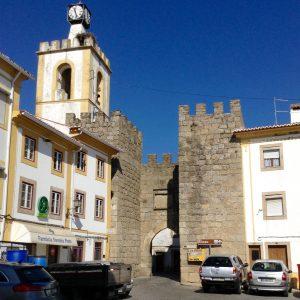 Puerta da vila 1