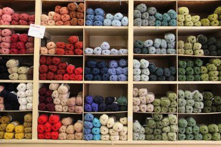 Tienen lana gorda para los proyectos más rápidos y finos para prendas más elaboradas como jerséis