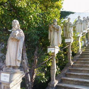 Escalinata con los Apostoles Jardin Episcopal Castelo Branco