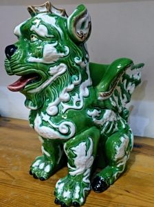 Perro Fó, de Manuel Gustavo Bordallo Pinheiro, de influencia oriental, que tuvo que luchar hasta conseguir su estilo propio