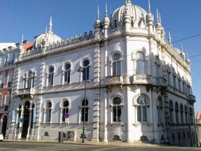 """El señorial Palacio Ribeiro da Cunha, hoy es """"Embaixada"""" un Concept Store que atrae a lisboetas y turistas"""