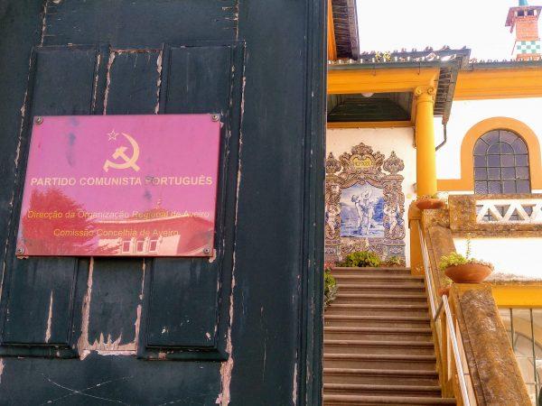 Antigua residencia de los fundadores de fábrica azulejos Aleluia, hoy sede del PCP (Partido Comunista). Avda. Doutor Lourenço Peixinho, 168