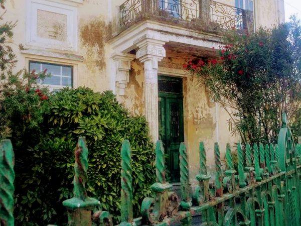 Residencia unifamiliar principios de siglo por Avda. Dr. Peixinho