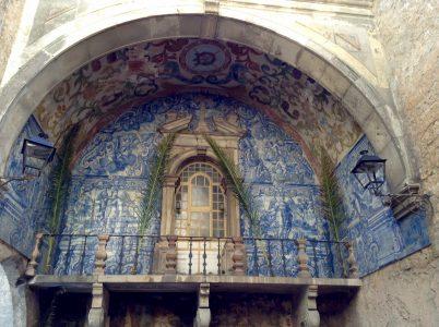 puerta da vila azulejos siglo XVII obidos