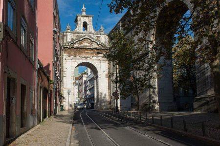 El Arco das Amoreiras celebra la llegada del agua por el Acueducto das Águas Libres. Construido antes del terremoto por el húngaro Carlos Mardel (1746-1748)