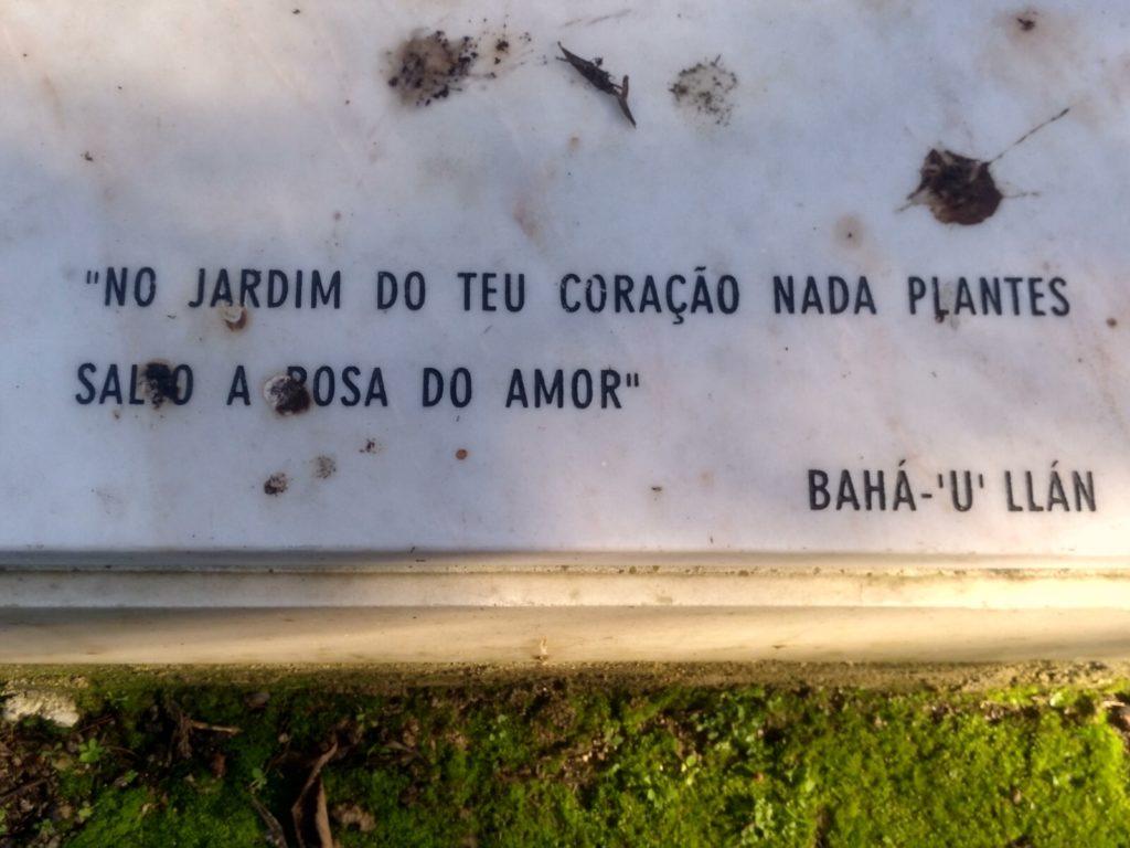 lapida_monoteista_cementerio_ingles
