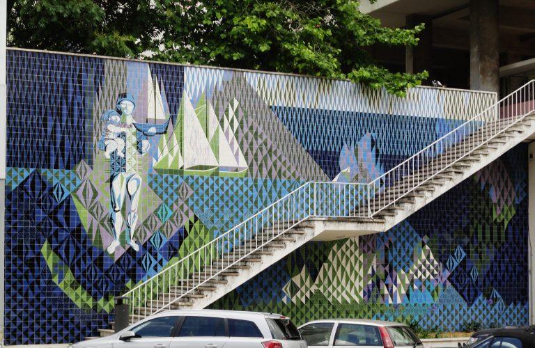 La belleza de la azulejos se ve en los murales urbanos
